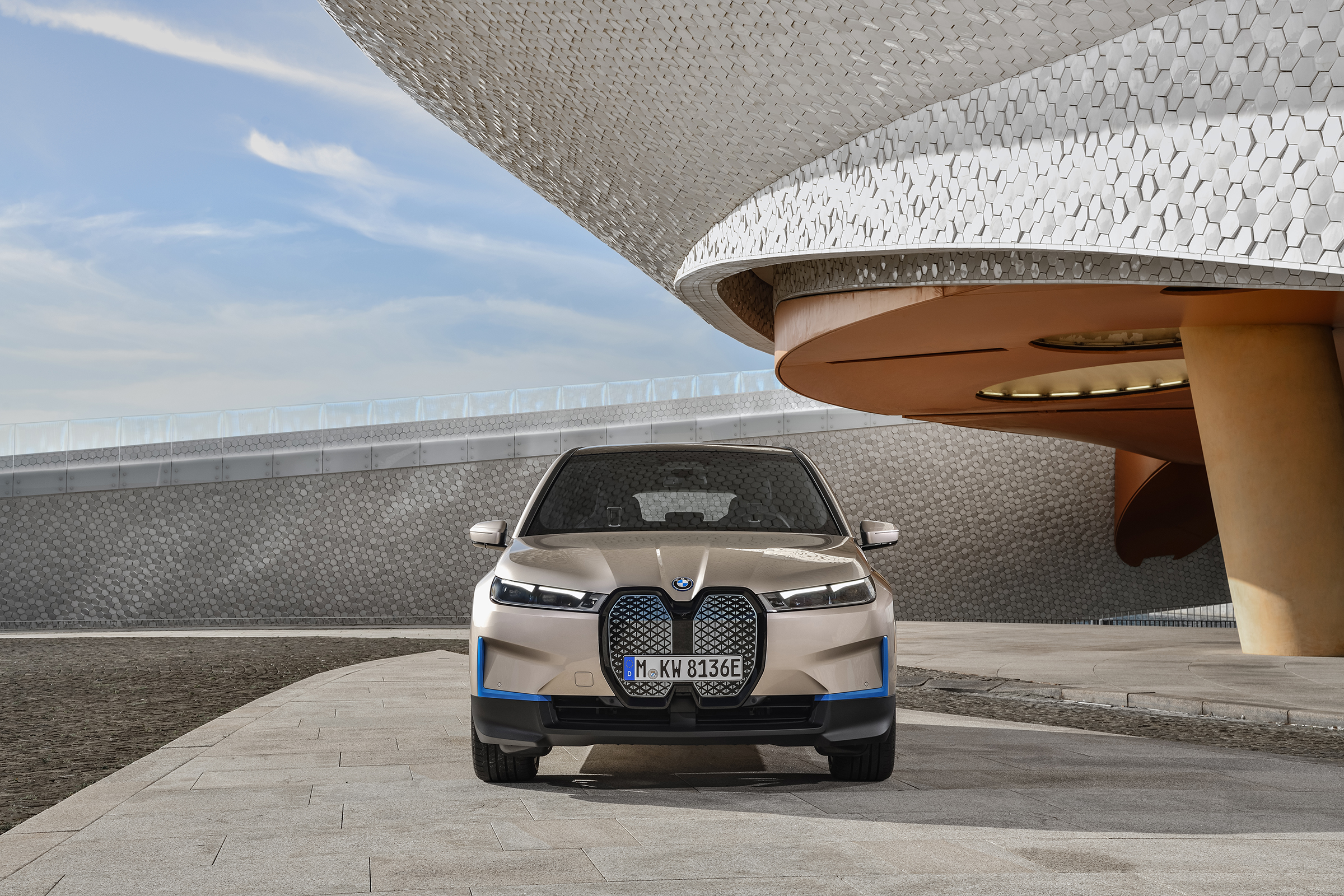 2021 BMW iX EV revealed as Tesla electric SUV fighter - EV ...